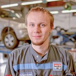 mekaanikko-kokkolan-autohuolto-Jouni