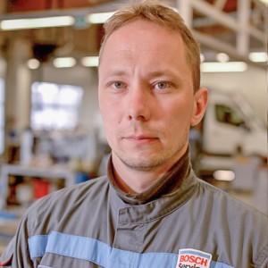 mekaanikko-kokkolan-autohuolto-Markku