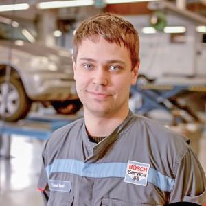 mekaanikko-kokkolan-autohuolto-Timo