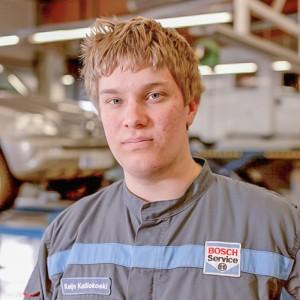 mekaanikko-kokkolan-autohuolto-Wilbert