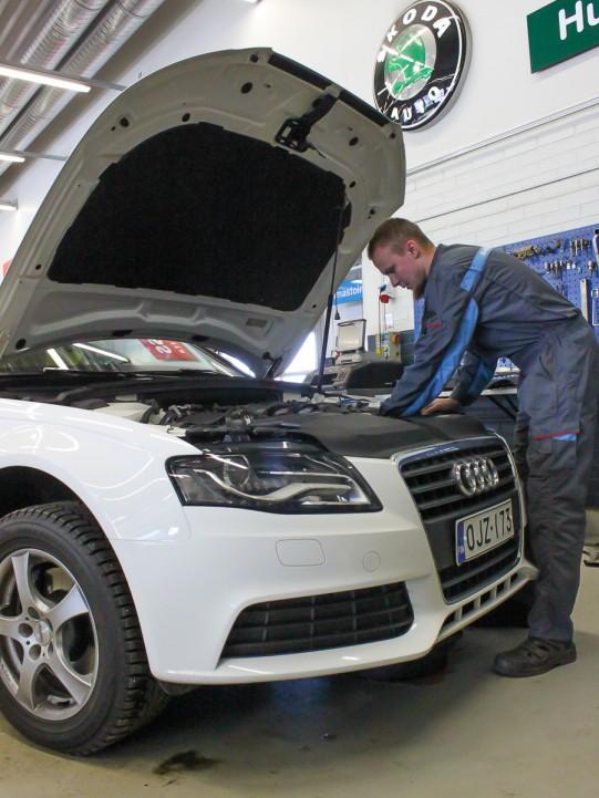 Skoda -merkkihuolto mahdollistaa kaikkien VAG -konsernin autojen huollot ja korjaukset.